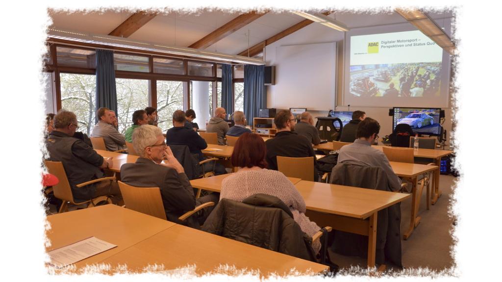RacingCommunity.de beim ADAC Forum Sport